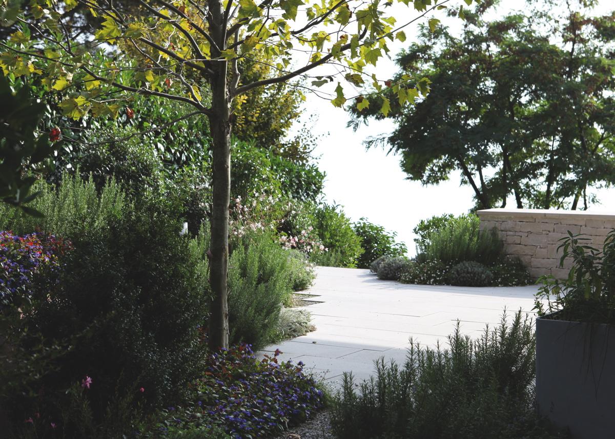 jardin de fleur et de rouille projets l atelier c t jardin sa. Black Bedroom Furniture Sets. Home Design Ideas